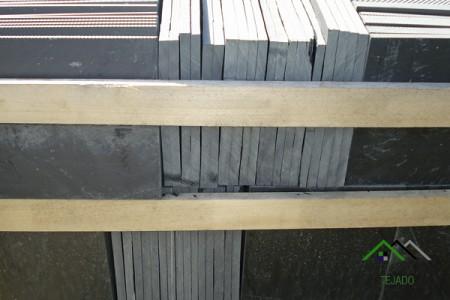 Pizarra natural formato plaqueta de suelo sin calibrar 40x22.