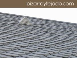 Beata en cubierta de pizarra natural de León. Foto de pizarra para tejado.