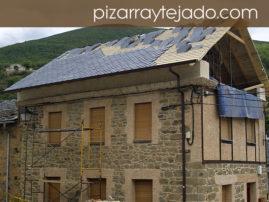 Foto de colocación de pizarra natural  en vivienda en León.