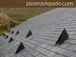 Foto de cubierta de pizarra en vivienda de alta montaña (León).