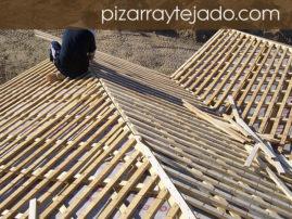 Fotografía de ejecución de tejado de pizarra. Rastrelado doble.