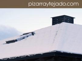 Nevada en tejado de pizarra natural de León.