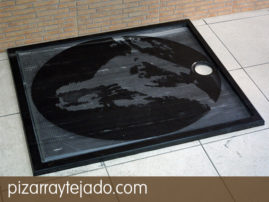 Plato de ducha cuadrado de pizarra natural. Diseños y formatos personalizados.