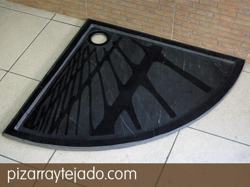Plato de ducha en pizarra natural. Diseño personalizado.