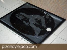Plato de ducha en pizarra natural. Diseño y formato personalizable.