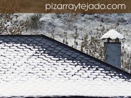 Cubierta y chimenea de pizarra natural de León.