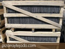 Dos pallets de pizarra de León preparado para exportación.