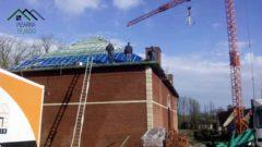 Ejecución de rastrel doble para colocación de pizarra de León en cubierta de 500 m2 en Bélgica.