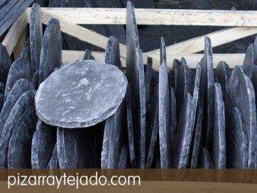 Pasos japoneses para jardín de piedra de pizarra natural. Pasos japoneses personalizados. Cantera en León.