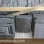 Pizarra para decorar de suelos exteriores. Plaqueta de pizarra natural 35 x25 para suelo exterior. Cantera de pizarra en León.