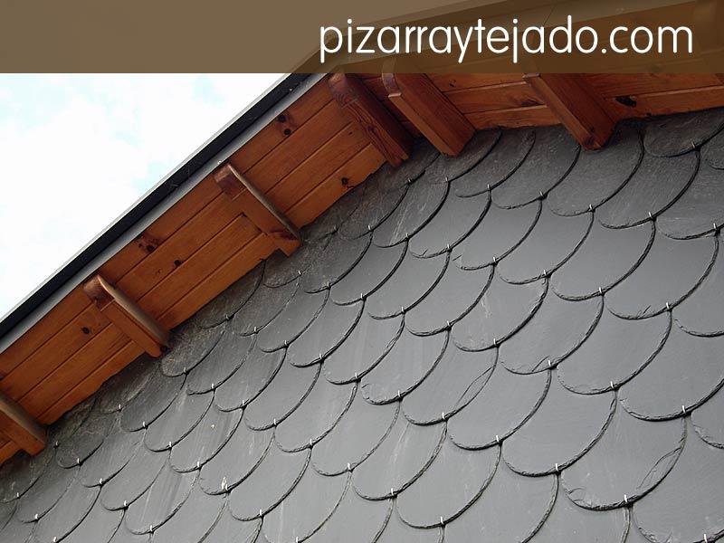 Colocaci n de pizarra en fachada sobre tejado y pared vertical - Cantera de pizarra ...