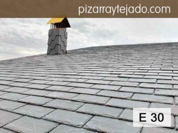 Colocación de nuevo tejado de pizarra negra