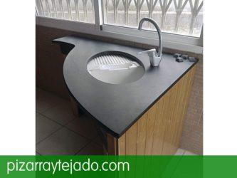 Encimeras de pizarra para cocinas y baños.