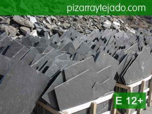 Pizarra gris rústica de gran formato. Pizarra para tejados. Pizarra en rama.