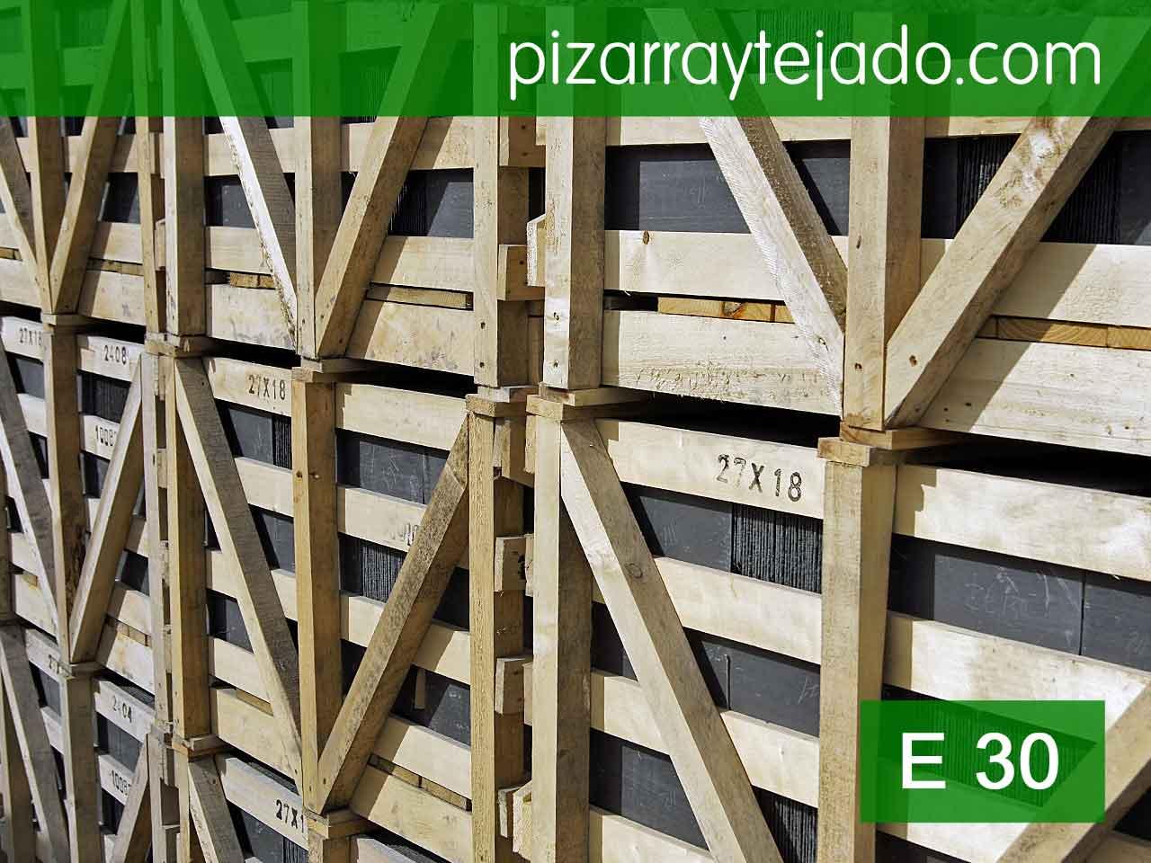 E30 pizarra negra rectangular y redondeada cantera en le n for Tejados galicia