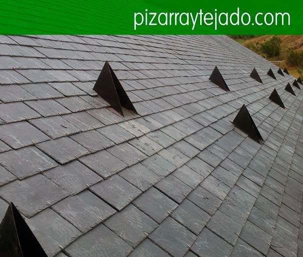 Construcció de teulades de pissarra. Construcción de tejados de pizarra. Pizarra Cataluña.