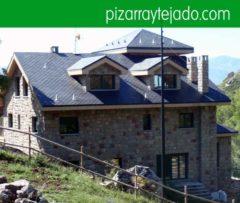 Instal·lem teulades de pissarra natural. Colocación de pizarra en tejados.  Construcció de teulades de pissarra. Construcción de tejados de pizarra.