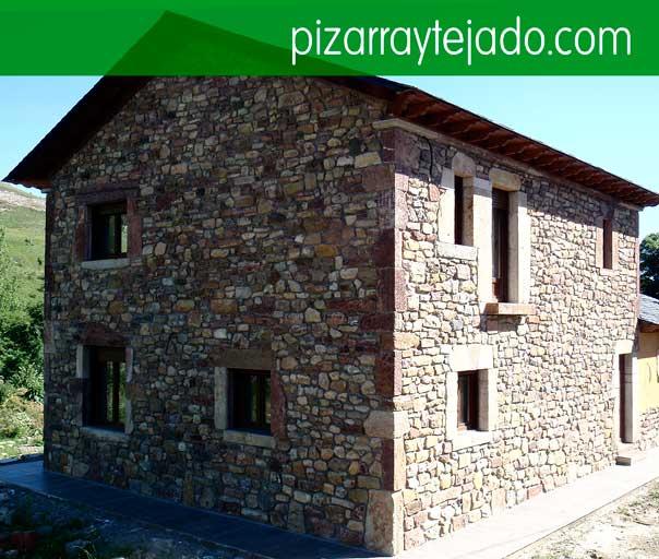 Instal·lem teulades de pissarra natural. Pizarra Pirineos.