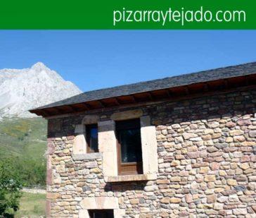 Pissarra per la coberta. Pizarra Cataluña. Pisarra teulada. Pissarra per teulades i façanes. Pizarra tejados. Pallets de pissarra natural per cobertes.