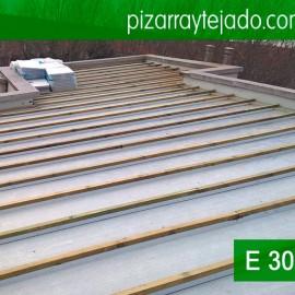 Colocación de rastrel para tejado de pizarra