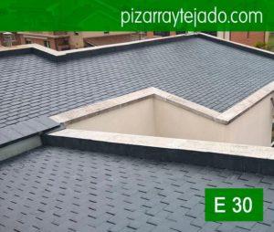 Colocación bonito tejado teja pizarra Valladolid. Cubierta teja pizarra negra fina. Piedra natural pizarra Madrid para tejados y cubiertas, de El Bierzo.