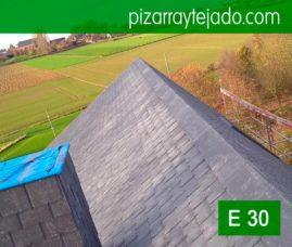 Colocación de tejado de pizarra natural en Horebeke, Bélgica. Comercialización y exportación de pizarra del Bierzo (León, Spain)