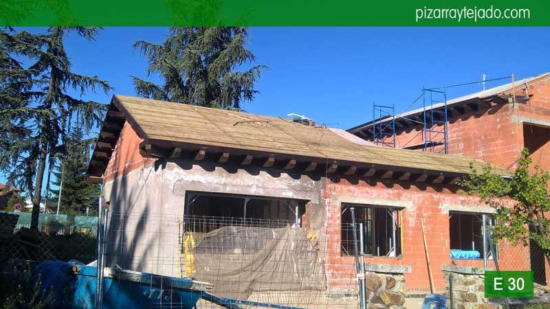 Ejecuci n de tejado de pizarra en madrid venta de pizarra for Tejado de madera madrid