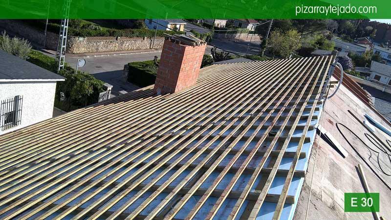 Colocaci n de tejado pizarra madrid cubiertas y tejados for Tejado de madera madrid