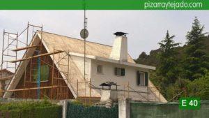 Tejado de pizarra en Madrid. Cerceda (Moralzarzal). Inicio de obras de colocación de aislamiento y cubierta de pizarra.