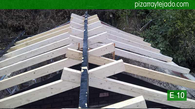 Estructuras de madera para tejados en el bierzo tejados for Tejados de madera vista