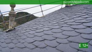 Amplia experiencia en colocación de tejados de pizarra. Presupuesto para colocacion de pizarra en tejado.