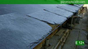 Directamente desde el Bierzo, pizarra rústica gran formato para tejados y cubiertas impresionantes.