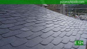 Especialistas en colocación de pizarra natural. Solicite presupuesto tejado pizarra.