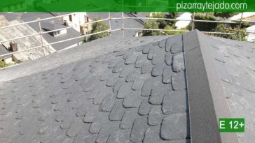 Especialistas en tejados de pizarra granel redondeada y tejado de zinc. Colocación de tejados de ZINC y PIZARRA. Expertos montadores de zinc.