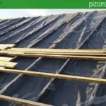 Montaje de doble rastrel con lámina impermeable y transpirable en cubierta de pizarra del Bierzo León.