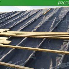 Montaje de doble rastrel con lámina en cubierta de pizarra .