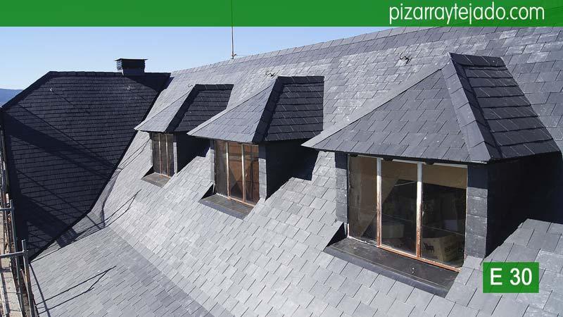 Mansardas en tejado rehabilitado de pizarra guadarrama pizarra - Tejado de pizarra ...