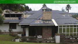 Aislamiento térmico, doble rastrel de madera tratada y pizarra especial para costa. Pizarra Oviedo.