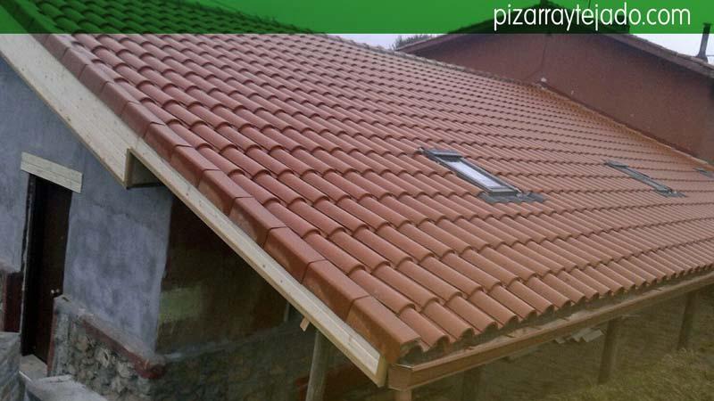 Colocaci n membrana en tejado membrana impermeable y for Tejados de madera y teja